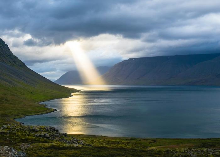 Cloud, Sunlight, Lake